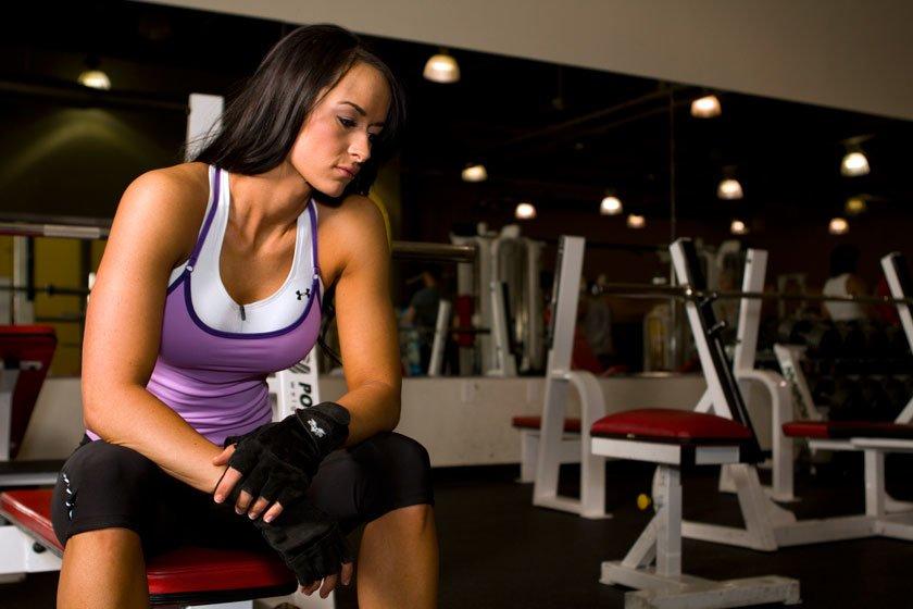 6 побочных эффектов занятий фитнесом во время менструации