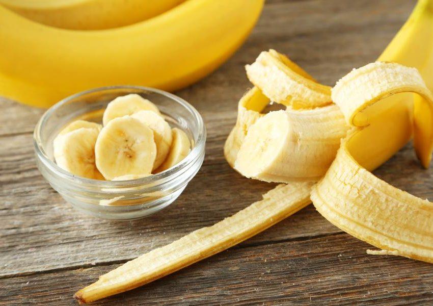 Рекомендуемые шаги для отбеливания зубов банановой кожуры