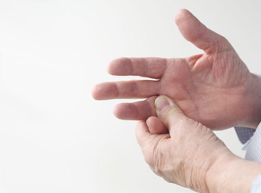 7 Симптомов покалывания в правой руке
