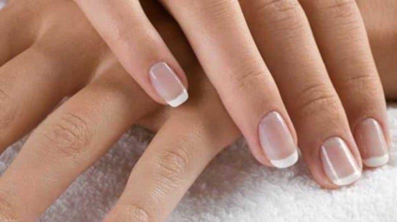 Как отбелить ногти в домашних условиях эффективно