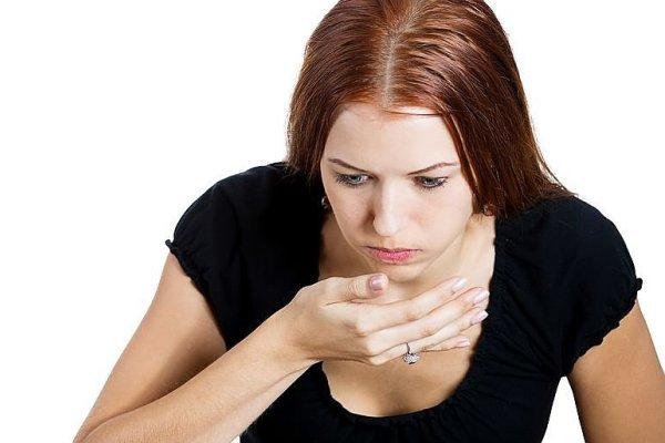 Как избавиться от горького вкуса во рту и тошноты?