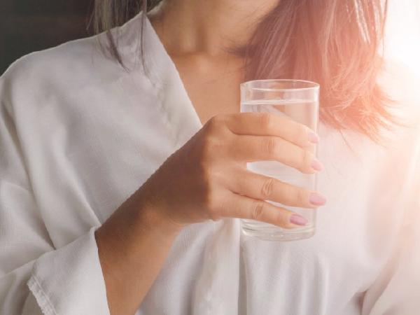 11 опасных последствий не питья воды после еды