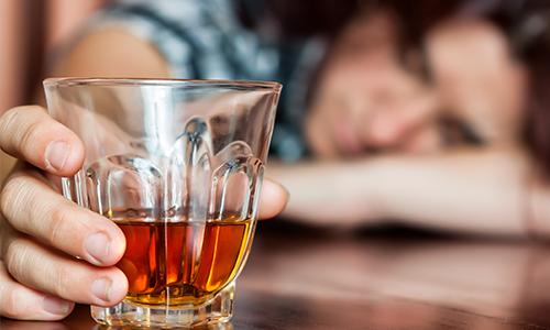 Нарушение употребления алкоголя (причины, лечение, профилактика)
