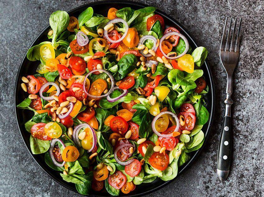 14 преимуществ от употребления зеленого салата вечером для здоровья