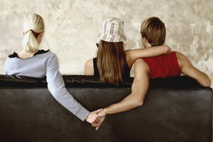 Как узнать, что друзья разрушают ваши отношения