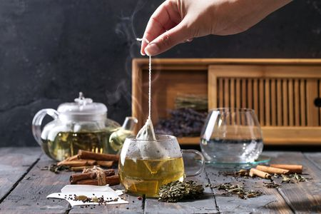 15 побочных эффектов тикового чая для вашего здоровья