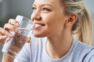 Влияние минеральной газированной воды на зубы