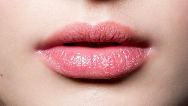 Как сделать губы красными, естественно и в домашних условиях